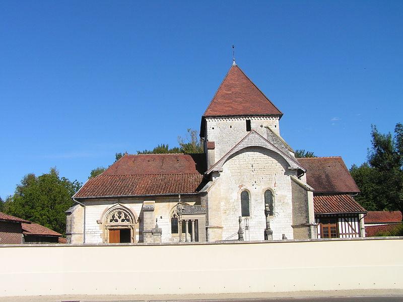 Photo du Monument Historique Eglise Saint-Amand situé à Donnement