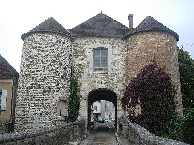 Photo du Monument Historique Porte Saint-Nicolas situé à Ervy-le-Châtel