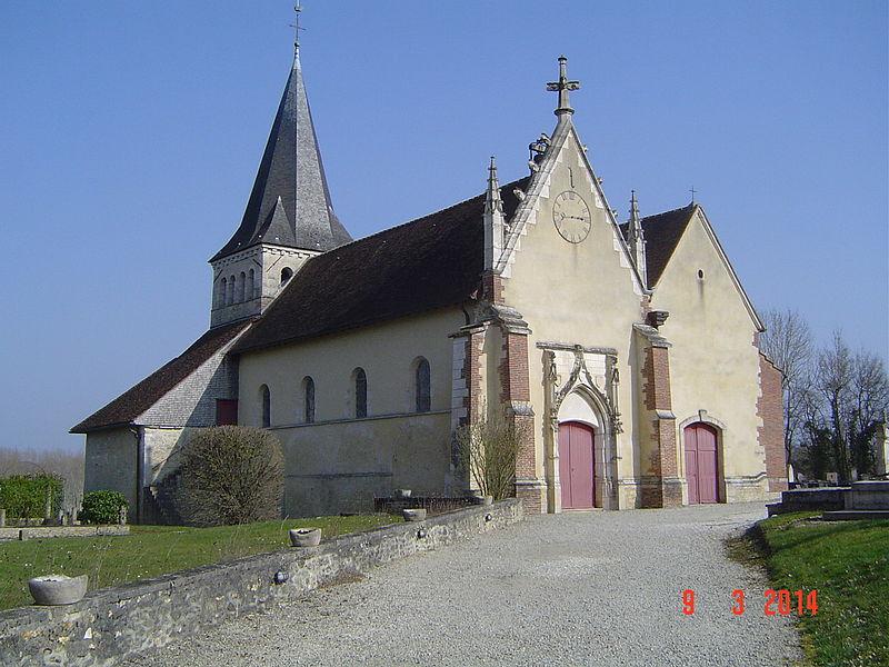 Photo du Monument Historique Eglise et les terrains des nécropoles qui l'entourent situé à Isle-Aumont
