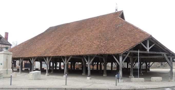 Photo du Monument Historique Halle situé à Piney