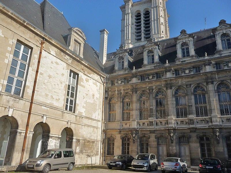 Photo du Monument Historique Abbaye Saint-Loup situé à Troyes