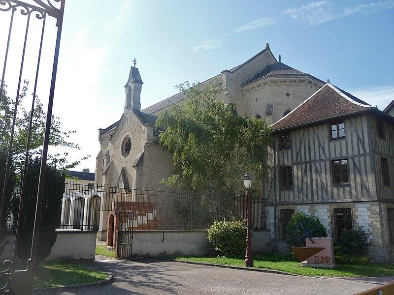 Photo du Monument Historique Abbaye Saint-Martin-ès-Aires situé à Troyes