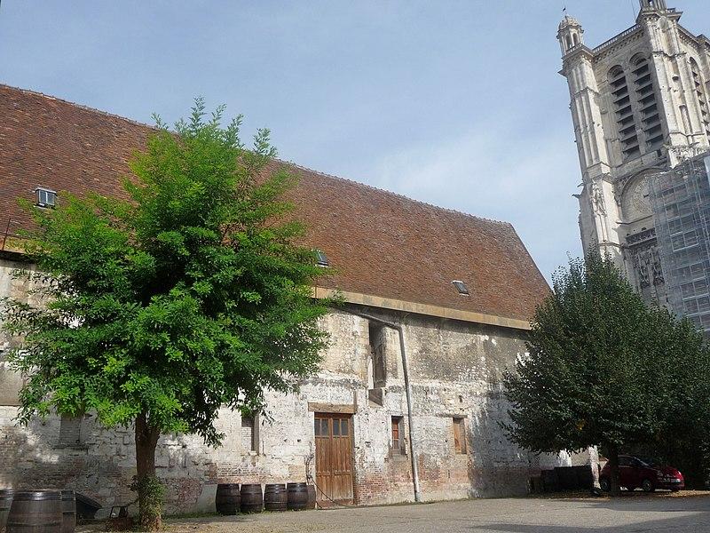 Photo du Monument Historique Chapitre , puis entrepôt situé à Troyes