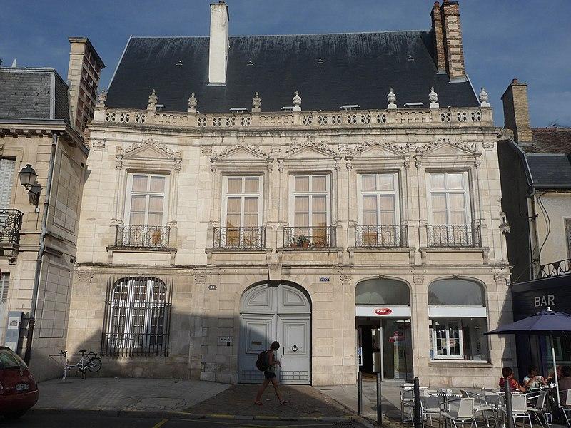 Photo du Monument Historique Hôtel de Chapelaine situé à Troyes