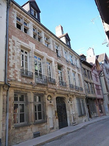 Photo du Monument Historique Hôtel Deheurles situé à Troyes