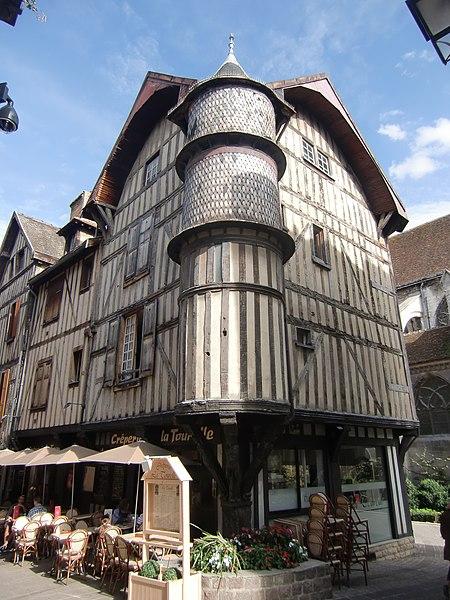 Photo du Monument Historique Maison de l'Orfèvre situé à Troyes