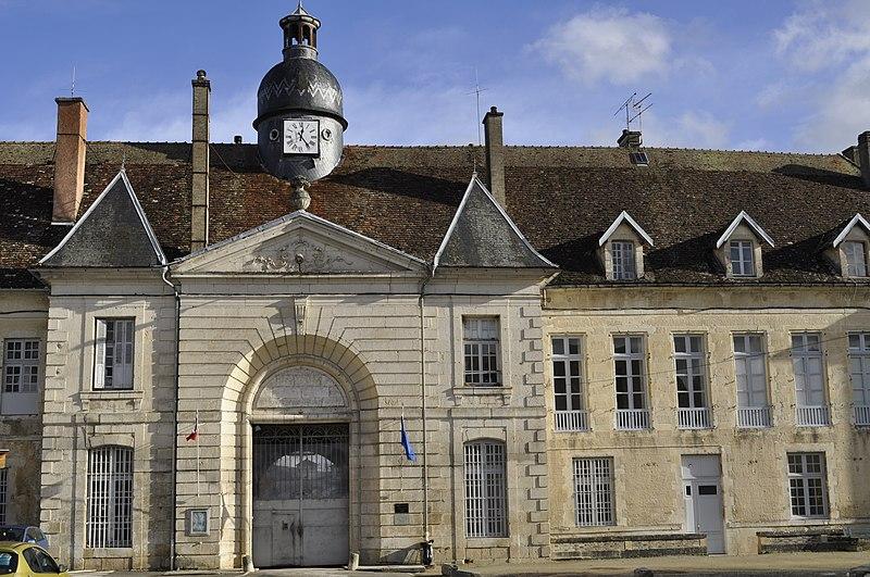Photo du Monument Historique Ancienne abbaye de Clairvaux situé à Ville-sous-la-Ferté