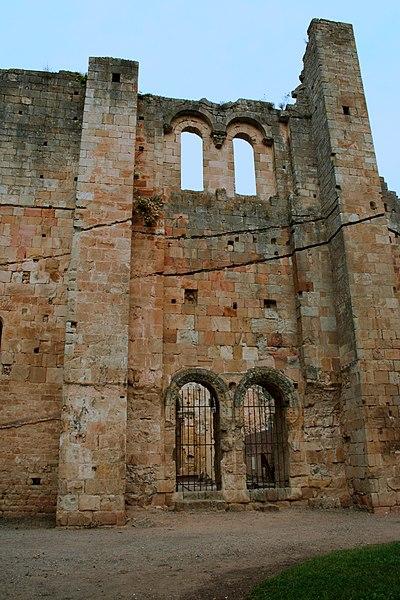 Photo du Monument Historique Restes de l'ancienne cathédrale Notre-Dame situé à Alet-les-Bains