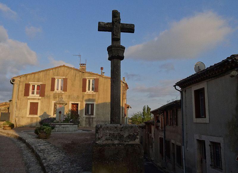 Photo du Monument Historique Croix de chemin situé à Aragon
