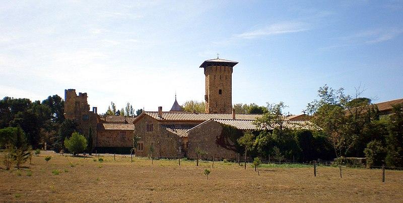 Photo du Monument Historique Château de Gaussan situé à Bizanet