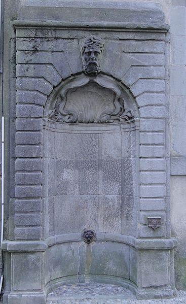 Photo du Monument Historique Fontaine Saint-Michel situé à Carcassonne