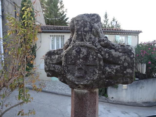 Photo du Monument Historique Croix de métier situé à Couffoulens