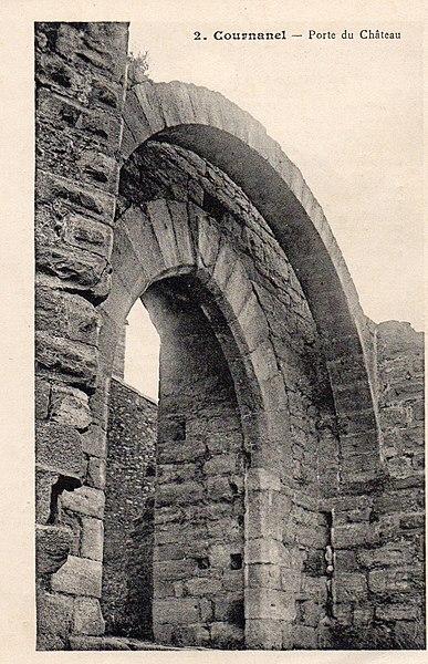 Photo du Monument Historique Château des évêques d'Alet situé à Cournanel
