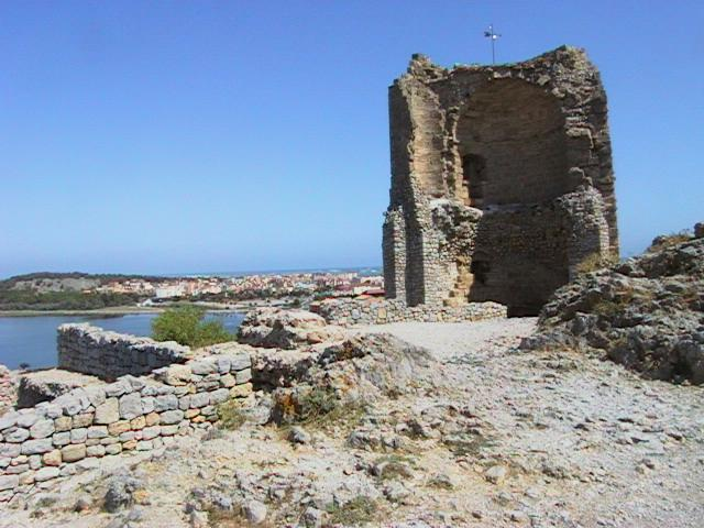 Photo du Monument Historique Ruines du château-fort situé à Gruissan