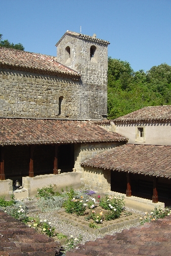 Photo du Monument Historique Ancienne abbaye de Rieunette situé à Ladern-sur-Lauquet