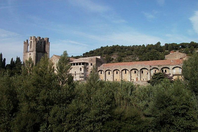 Photo du Monument Historique Ancienne abbaye Sainte-Marie d'Orbieu situé à Lagrasse