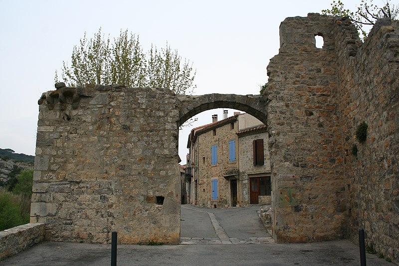 Photo du Monument Historique Porte de l'Eau situé à Lagrasse