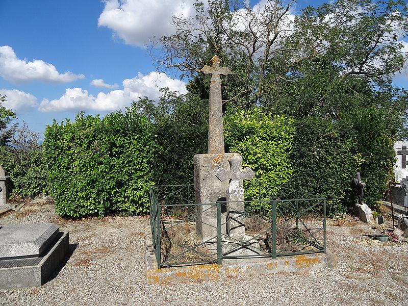 Photo du Monument Historique Croix de cimetière situé à Lavalette