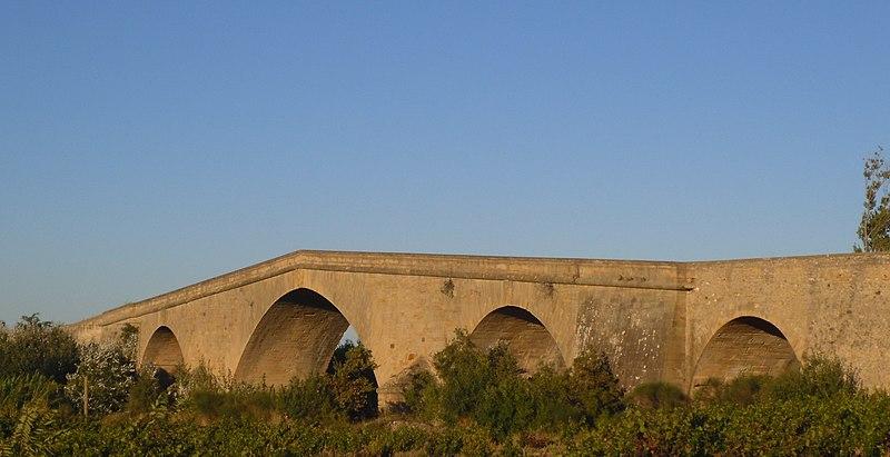 Photo du Monument Historique Pont des Etats de Languedoc situé à Ornaisons