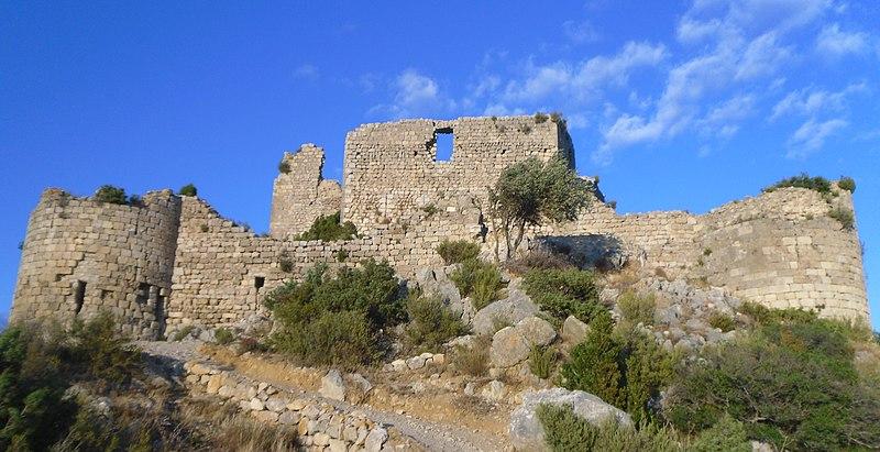 Photo du Monument Historique Ruines du Fort d'Aguilar situé à Tuchan