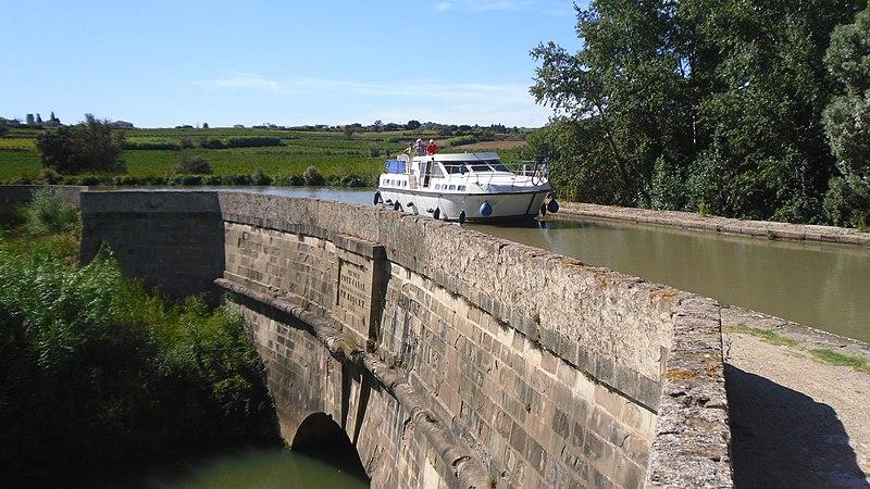 Photo du Monument Historique Canal du Midi : Aqueduc du Répudre situé à Ventenac-en-Minervois