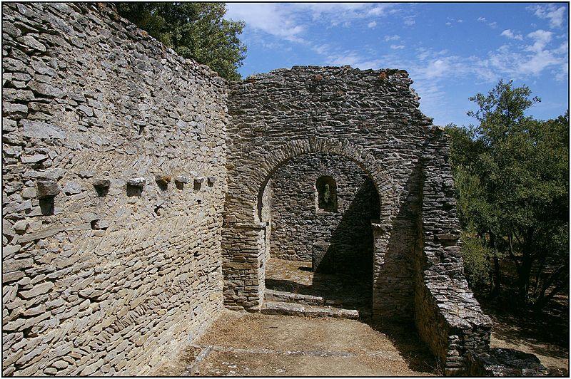 Photo du Monument Historique Vestiges de la chapelle Notre-Dame-de-la-Lauze situé à Villarzel-Cabardès