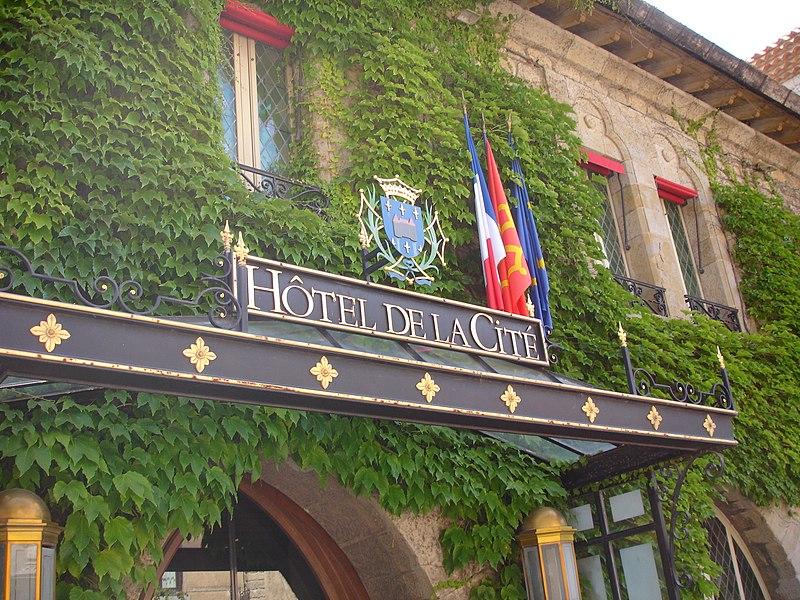 Photo du Monument Historique Hôtel de la Cité situé à Carcassonne