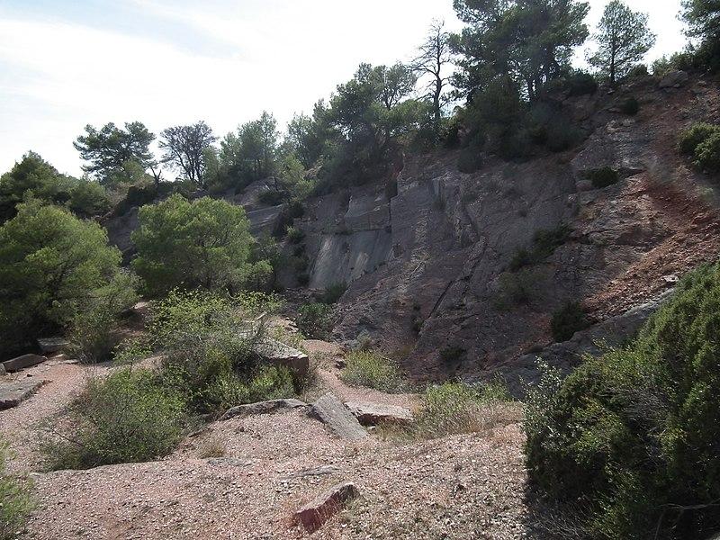 Photo du Monument Historique Trois anciennes carrières de marbre : carrière du Roi, carrière de marbre gris et carrière du roc de Buffens situé à Caunes-Minervois