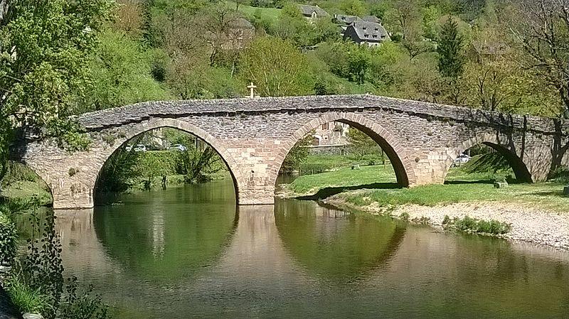 Photo du Monument Historique Vieux Pont situé à Belcastel