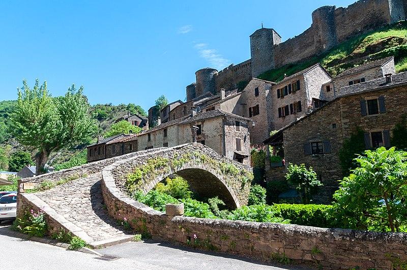 Photo du Monument Historique Vieux pont gothique sur l'Abrance situé à Brousse-le-Château