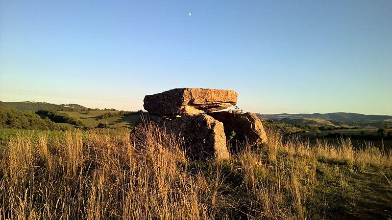 Photo du Monument Historique Dolmen situé à Buzeins