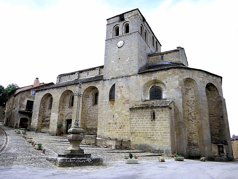 Photo du Monument Historique Ancien prieuré Saint-Michel situé à Castelnau-Pégayrols