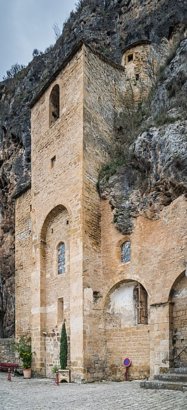 Photo du Monument Historique Eglise de Peyre situé à Comprégnac