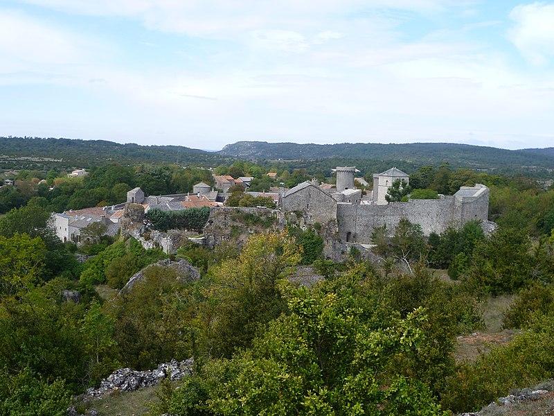 Photo du Monument Historique Donjon et les restes du château situé à La Couvertoirade