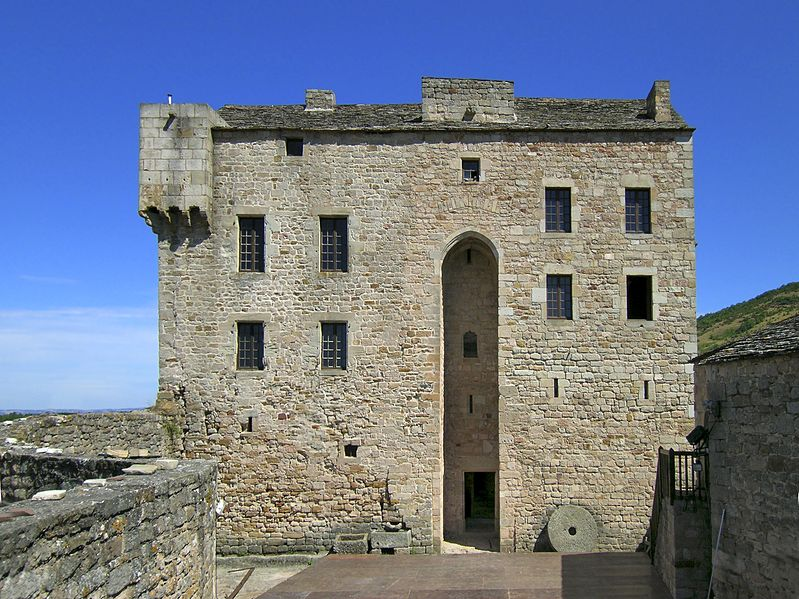 Photo du Monument Historique Château de Montaigut situé à Gissac