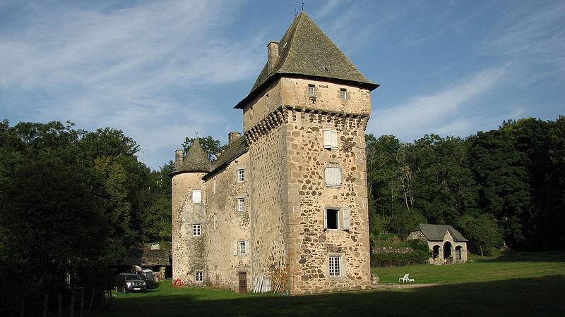 Photo du Monument Historique Château de la Boissonnade situé à Laguiole