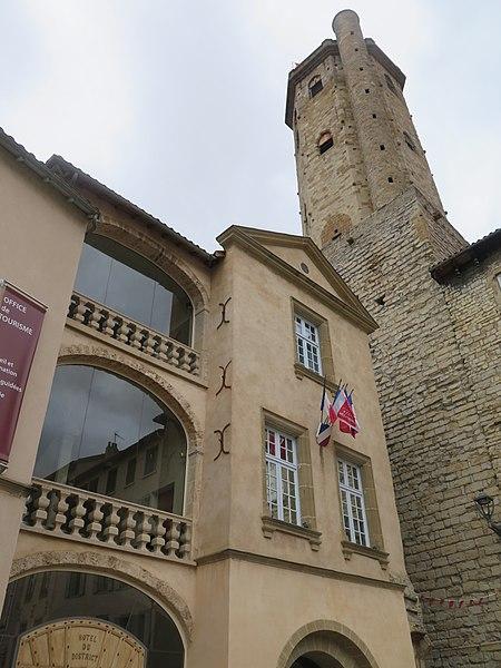 Photo du Monument Historique Ancien hôtel de Galy situé à Millau