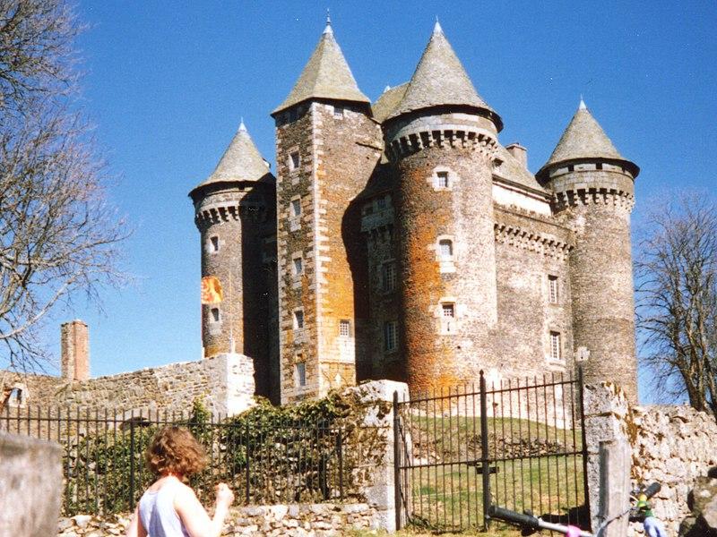 Photo du Monument Historique Château du Bousquet situé à Montpeyroux