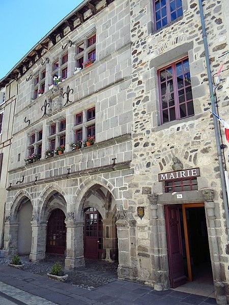 Photo du Monument Historique Maison Renaissance situé à Mur-de-Barrez