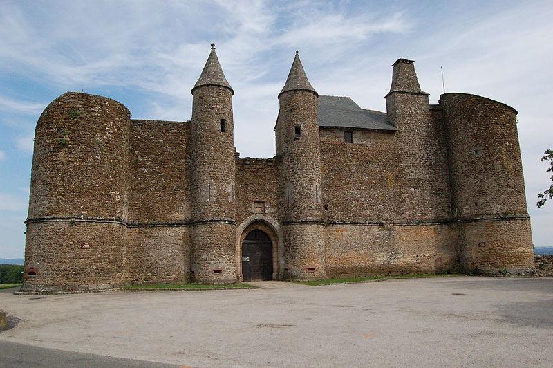 Photo du Monument Historique Château et sa chapelle, actuellement église paroissiale situé à Onet-le-Château
