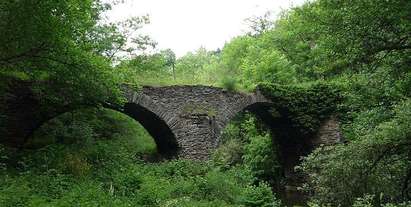 Photo du Monument Historique Pont Saint-Georges de Camboulas sur le Viaur situé à Pont-de-Salars