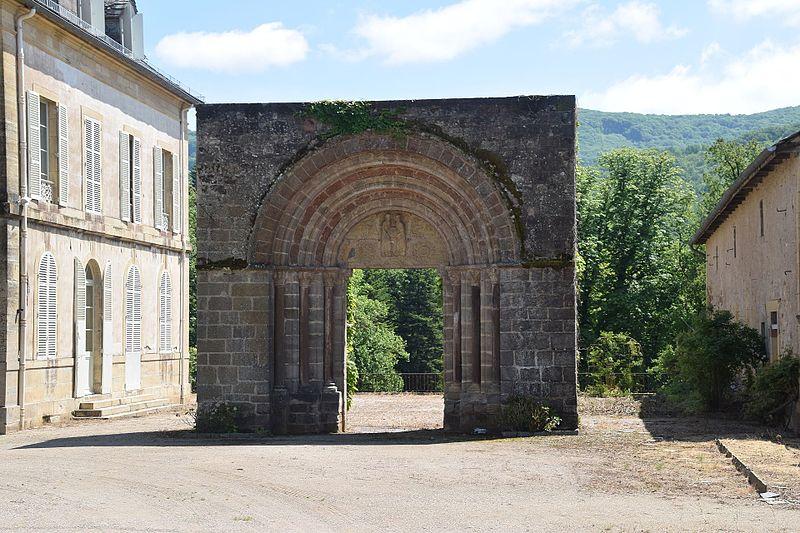 Photo du Monument Historique Portail roman de Levignac situé à Saint-Côme-d'Olt
