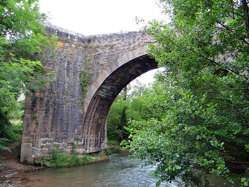 Photo du Monument Historique Pont faisant franchir la Sorgues situé à Saint-Félix-de-Sorgues
