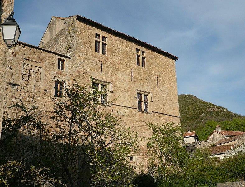 Photo du Monument Historique Château de Versols situé à Versols-et-Lapeyre