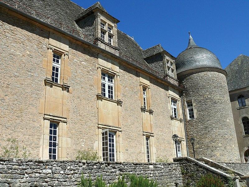 Photo du Monument Historique Château de Graves situé à Villefranche-de-Rouergue