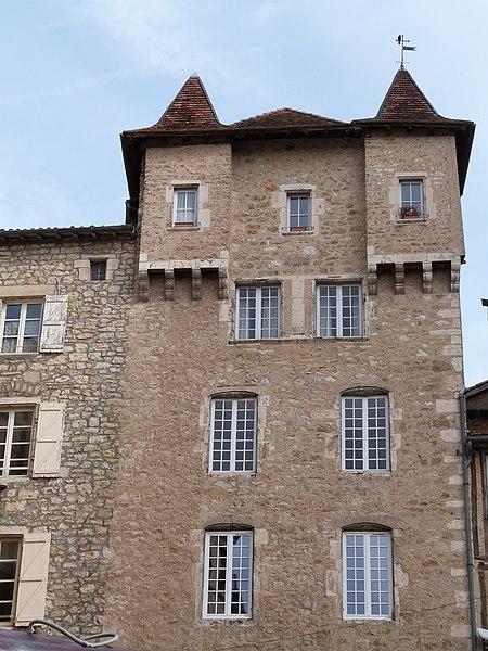 Photo du Monument Historique Maison Pomairols ou maison du Président Raynal situé à Villefranche-de-Rouergue