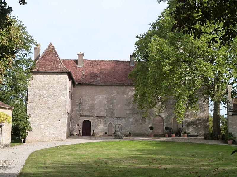 Photo du Monument Historique Château de Ginals situé à Villeneuve