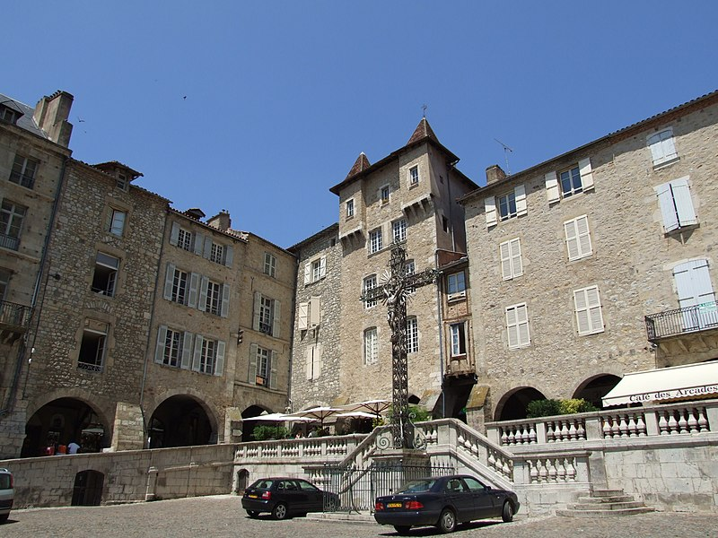 Photo du Monument Historique Ensemble formé par la place Notre-Dame situé à Villefranche-de-Rouergue