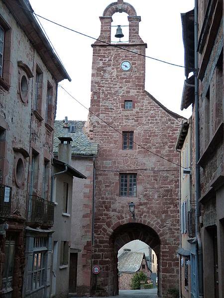 Photo du Monument Historique Porte de la ville situé à Villecomtal