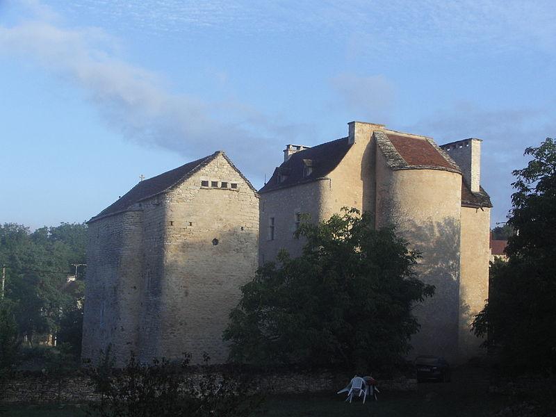 Photo du Monument Historique Château (ancien prieuré) de Toulongergues situé à Villeneuve